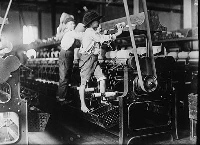 History of HR: mill workers in the Industrial Revolution